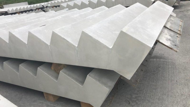 Concrete staircores